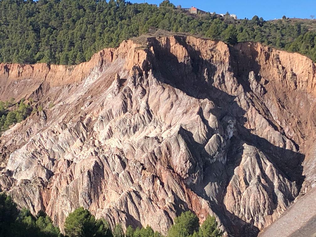 Aquesta imatge té l'atribut alt buit; el seu nom és 15-Mirador-Muntanya-Sal.jpg